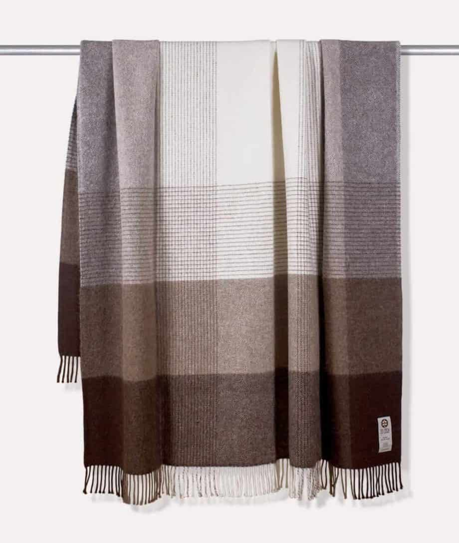 so cosy check pattern brown colour throw blanket