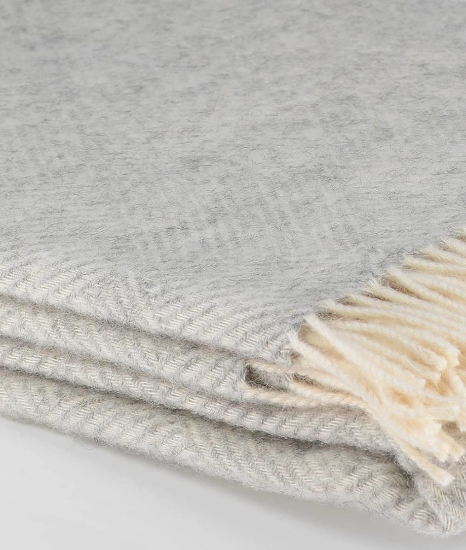 derry throw in silver grey white made from undyed gotland wool