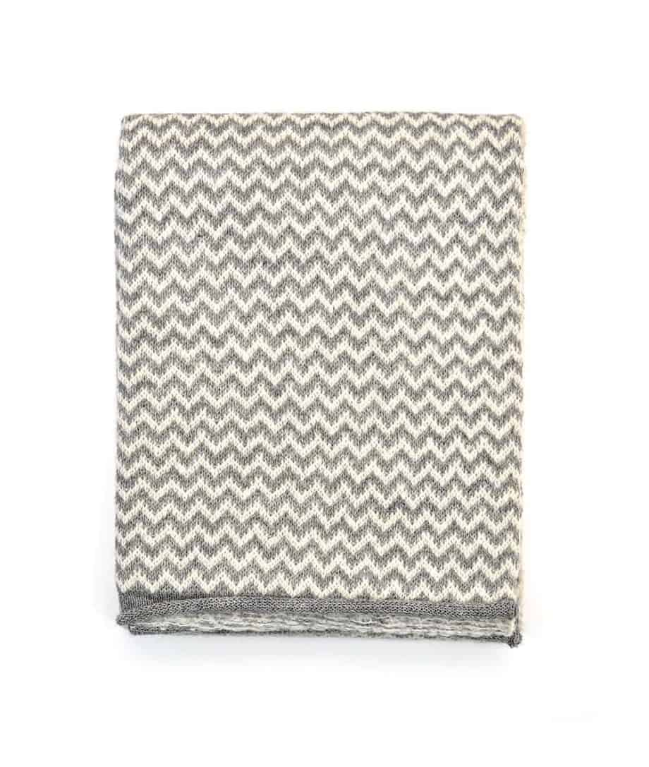 cosy chevron pattern silver grey and white scarf top