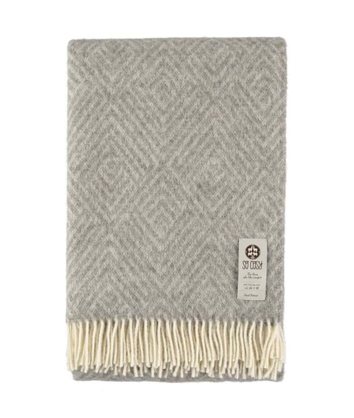 Darcy Soft Grey Cream