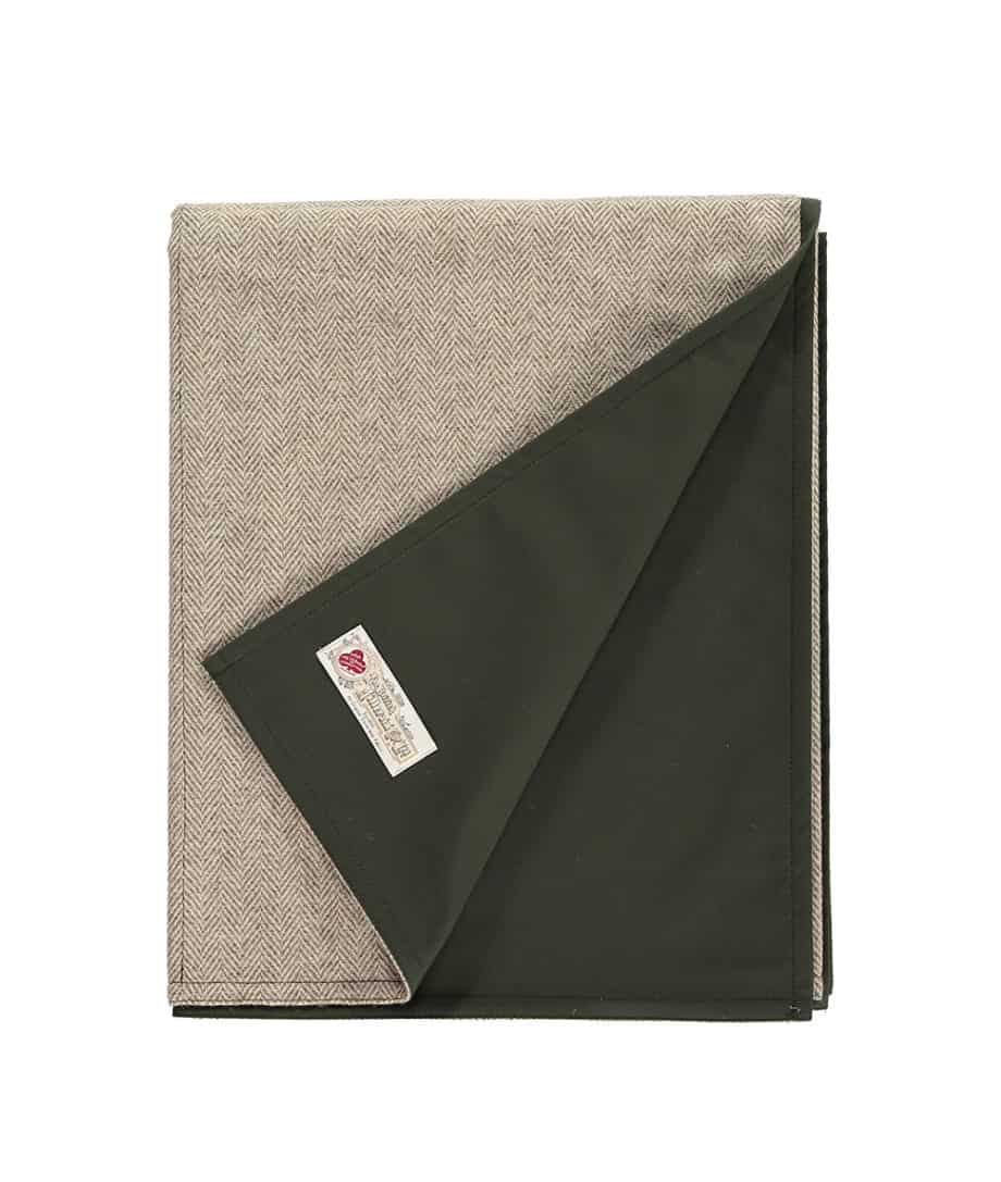 roll-up-quality-picnic-blanket-by-so-cosy-olive-green