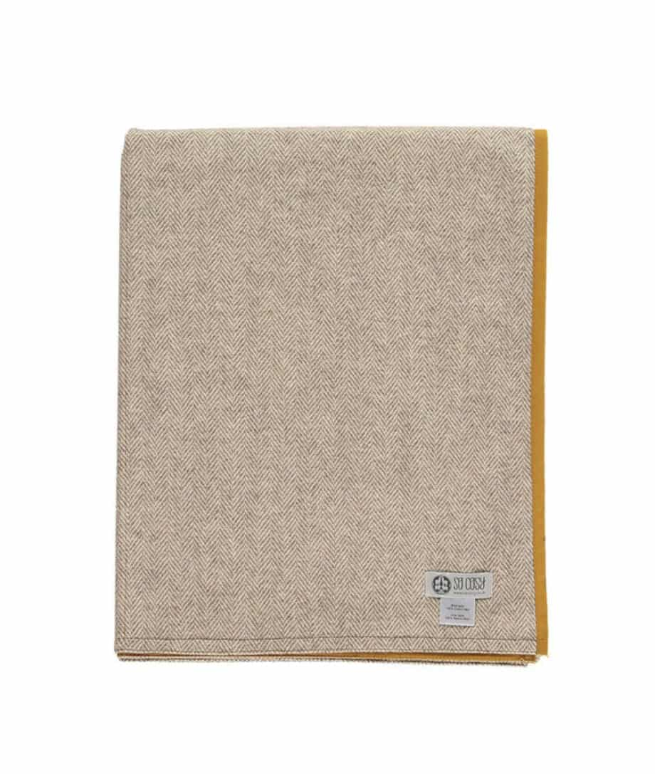 picnic-blanklet-roll-up-mustard-colour-wax-cotton-eco-wool-online