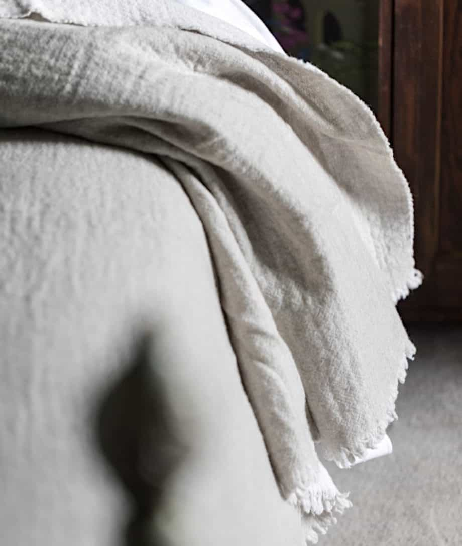 reversible large bedspread in light grey white colour