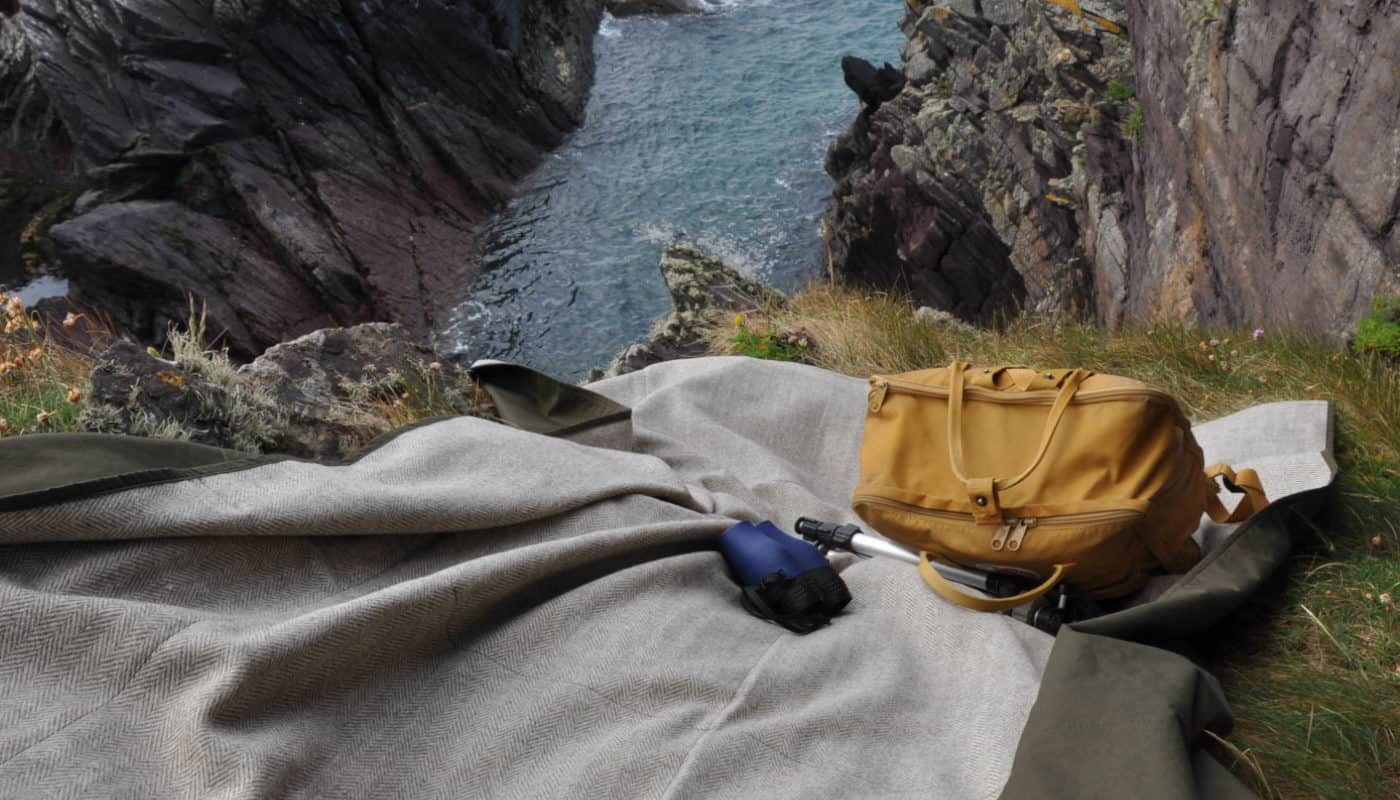 eco-wool-wax-cotton-picnic-blanket-by-so-cosy