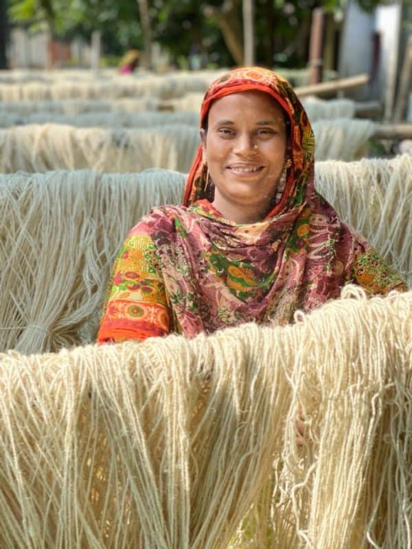 people who make jute products