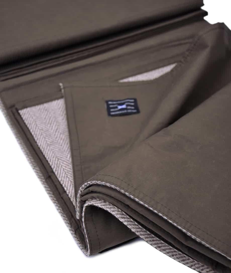 dusky-green-waxed-cotton-eco-wool-tweed-outdoor-picnic-blanket