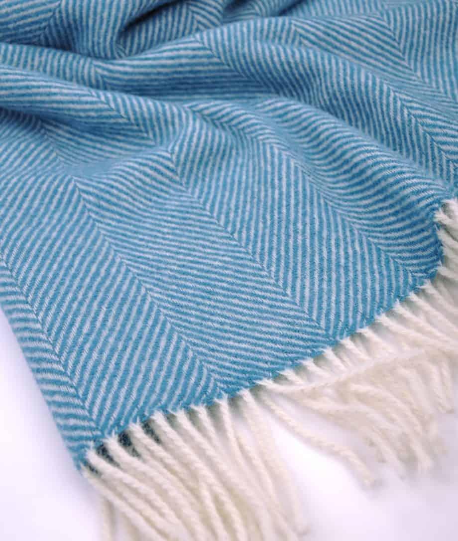 cosy-soft-wool-throw