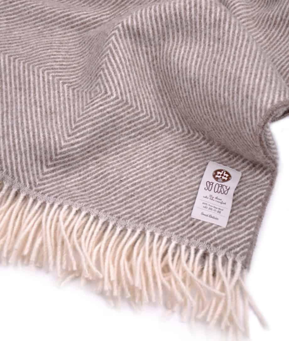 large-didrik-brown-cream-so-cosy-bedspread